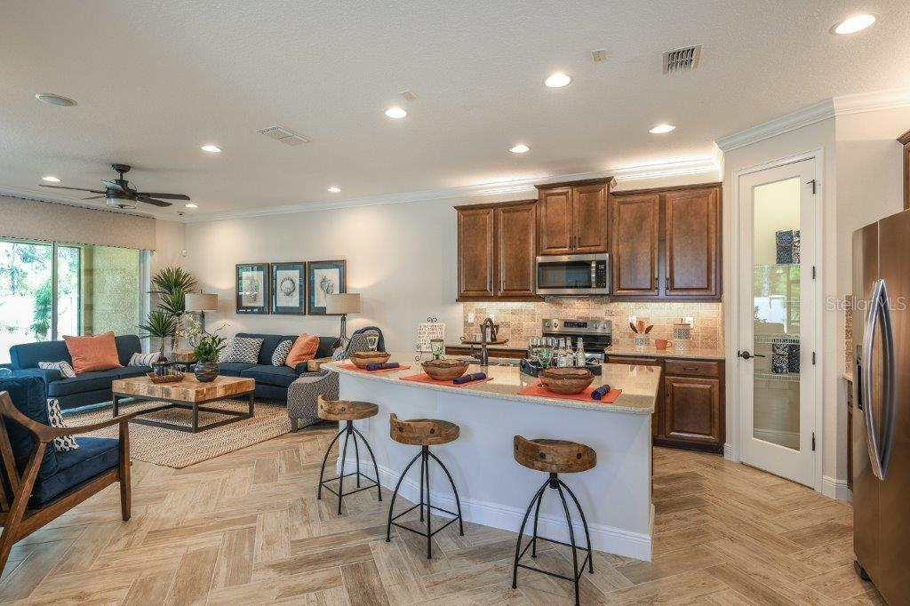 Sold Property | 11714 WROUGHT PINE LOOP #6 RIVERVIEW, FL 33569 6