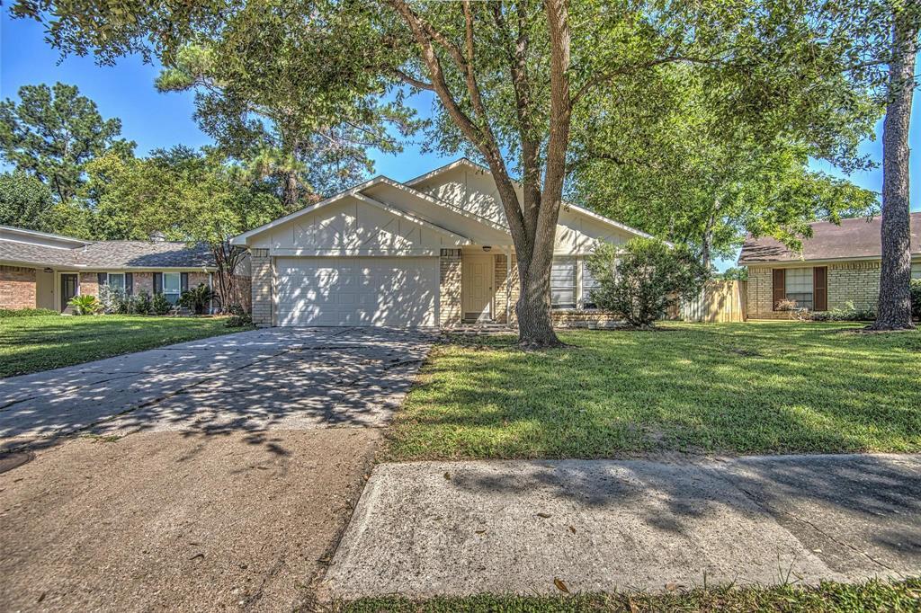Option Pending | 9422 Charter Ridge  Drive Houston, TX 77070 1