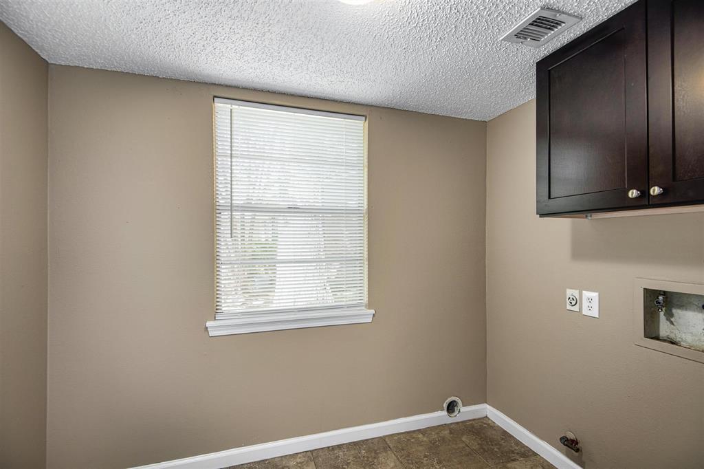 Option Pending | 9422 Charter Ridge  Drive Houston, TX 77070 13