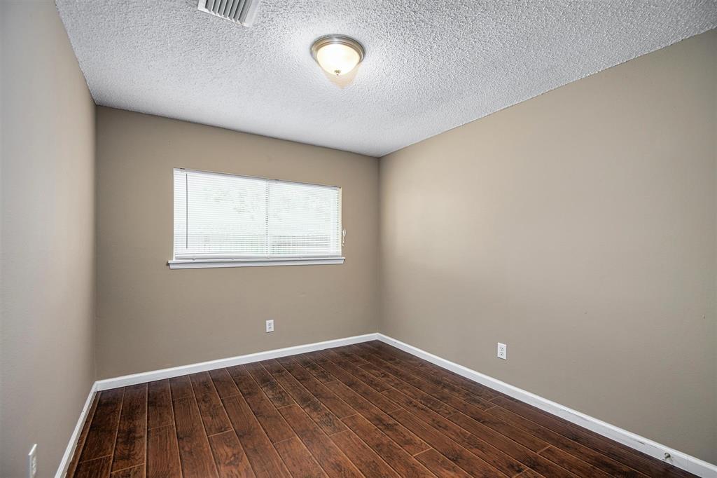 Option Pending | 9422 Charter Ridge  Drive Houston, TX 77070 16