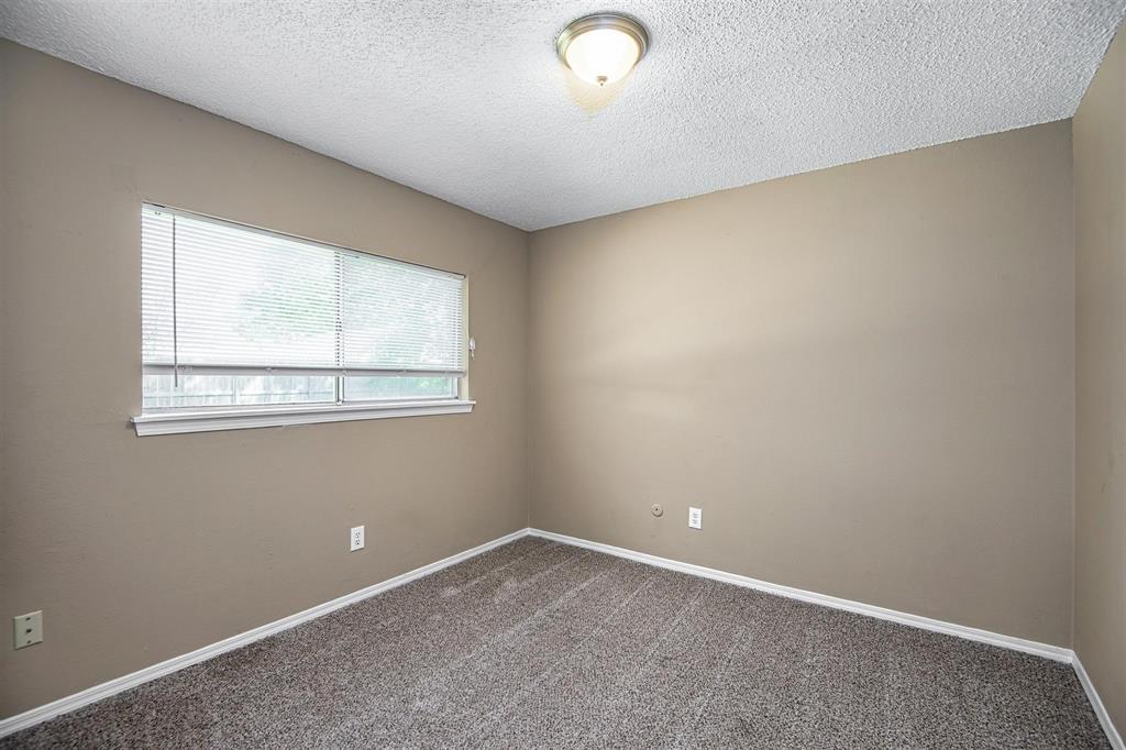 Option Pending | 9422 Charter Ridge  Drive Houston, TX 77070 17