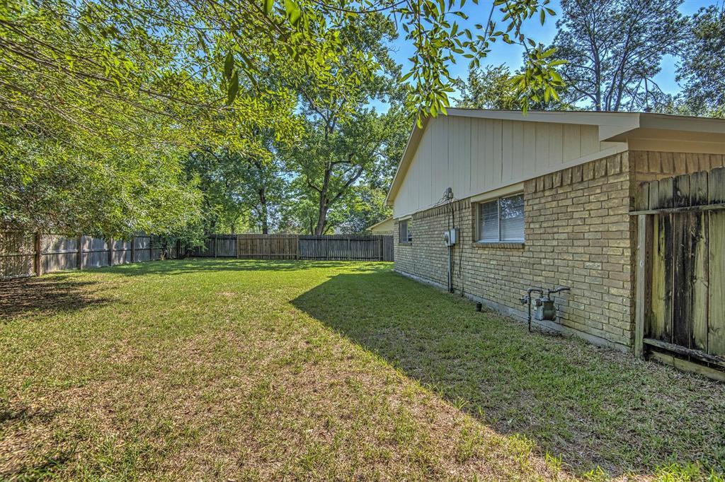 Option Pending | 9422 Charter Ridge  Drive Houston, TX 77070 29