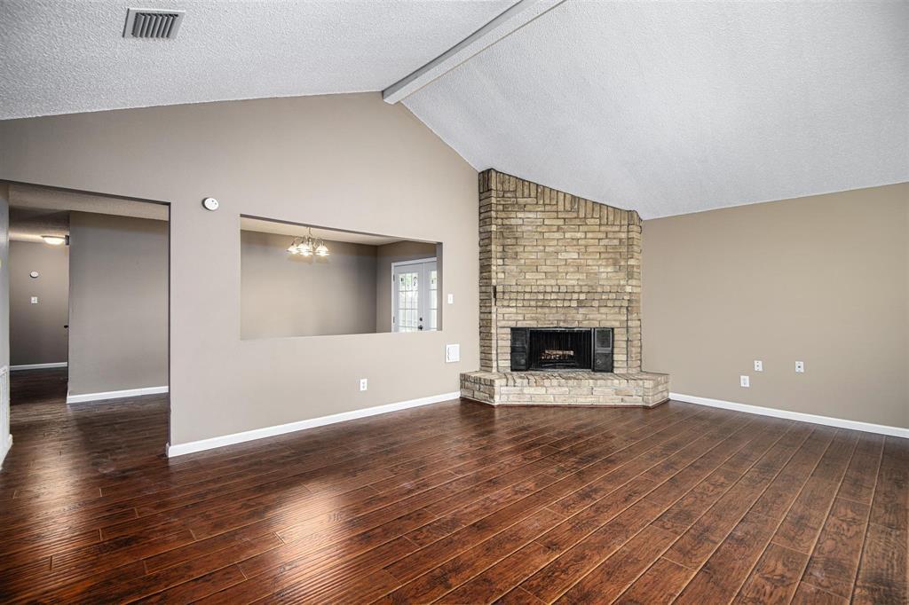 Option Pending | 9422 Charter Ridge  Drive Houston, TX 77070 5