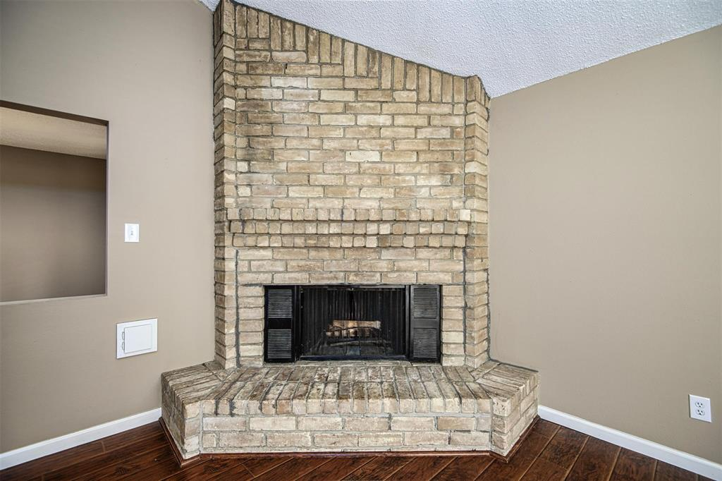 Option Pending | 9422 Charter Ridge  Drive Houston, TX 77070 6