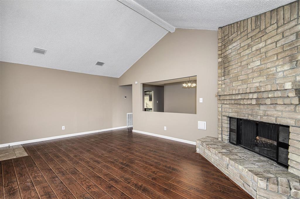 Option Pending | 9422 Charter Ridge  Drive Houston, TX 77070 7
