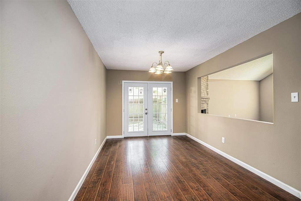 Option Pending | 9422 Charter Ridge  Drive Houston, TX 77070 10