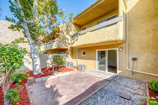 Closed   1950 S Palm Canyon Drive #123 Palm Springs, CA 92264 19