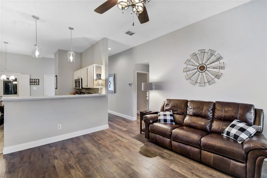 Sold Property | 1017 Rock Springs  Drive Burleson, TX 76028 13