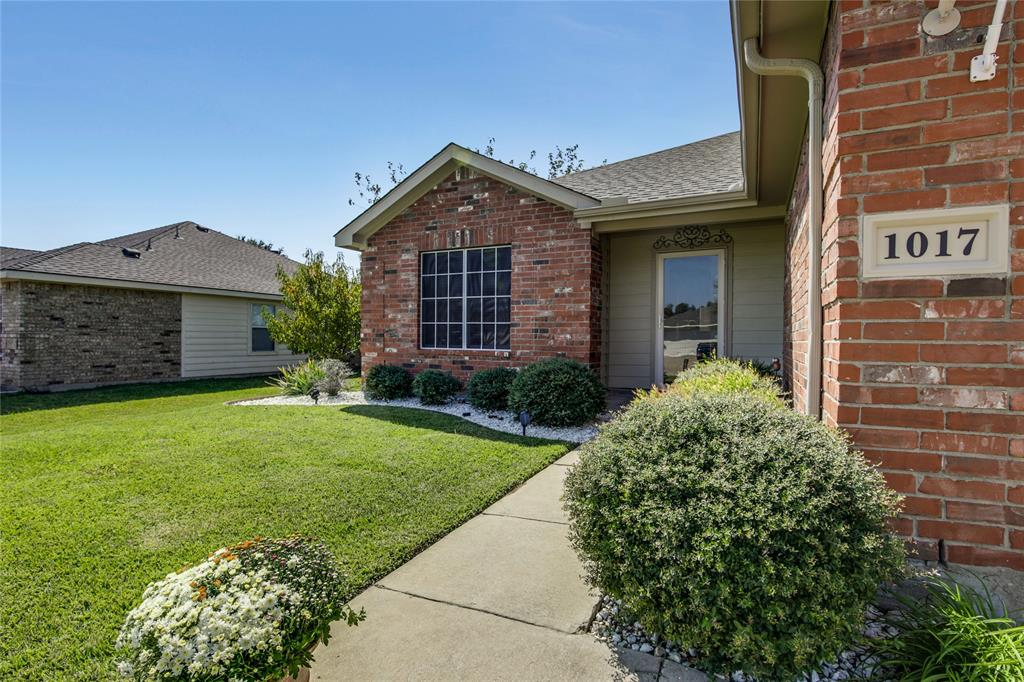 Sold Property | 1017 Rock Springs  Drive Burleson, TX 76028 9