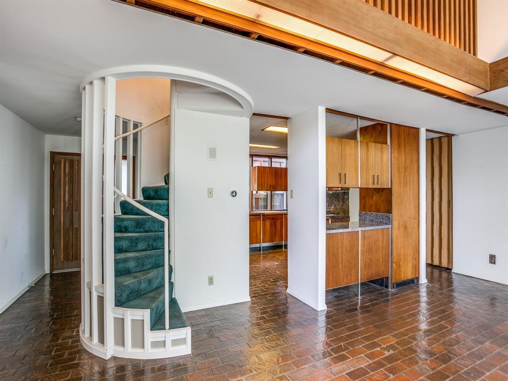 Sold Property | 6949 Lakewood Boulevard Dallas, Texas 75214 9