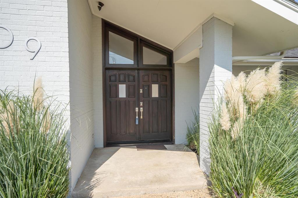 Active Contingent | 5009 Willow  Lane Dallas, TX 75244 3
