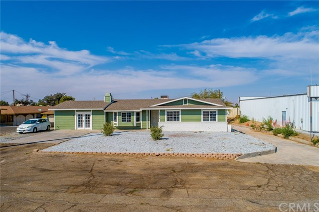 Active | 15574 Bear Valley  Road Victorville, CA 92395 38