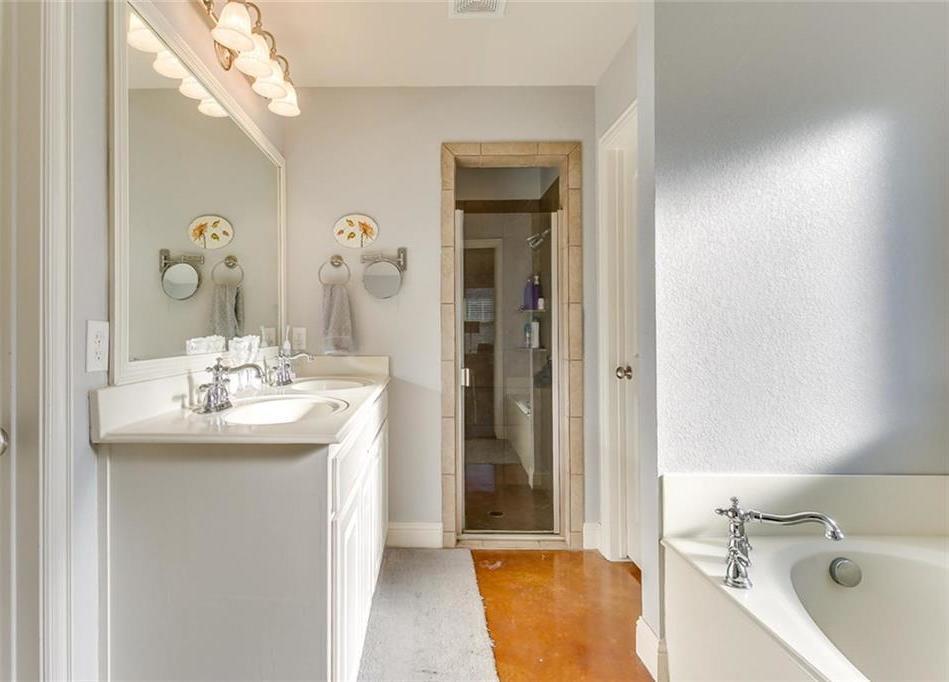 Sold Property | 529 Magnolia Parkway Benbrook, Texas 76126 22