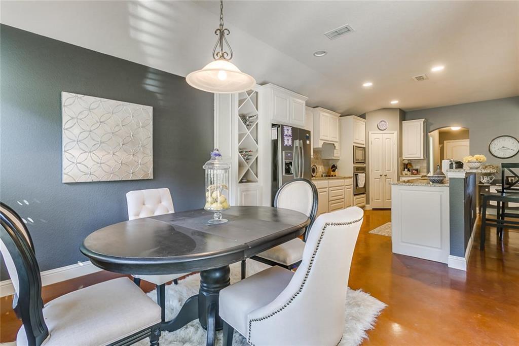 Sold Property | 529 Magnolia Parkway Benbrook, Texas 76126 34
