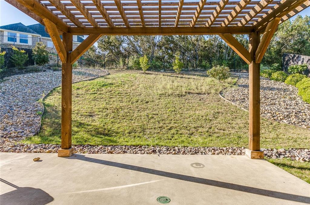 Sold Property | 529 Magnolia Parkway Benbrook, Texas 76126 5