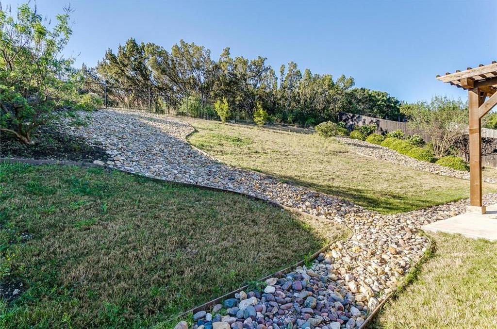Sold Property | 529 Magnolia Parkway Benbrook, Texas 76126 6