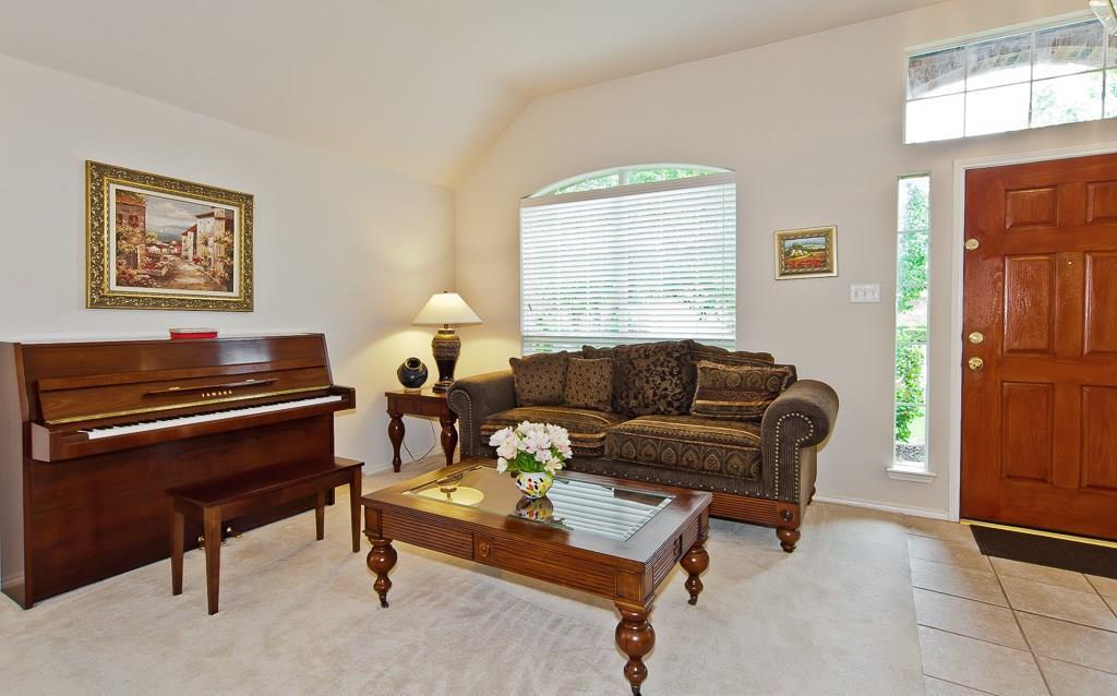 Sold Property | 4709 Pine Ridge Lane Fort Worth, Texas 76123 2