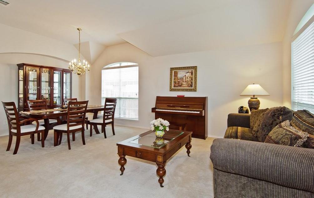 Sold Property | 4709 Pine Ridge Lane Fort Worth, Texas 76123 5