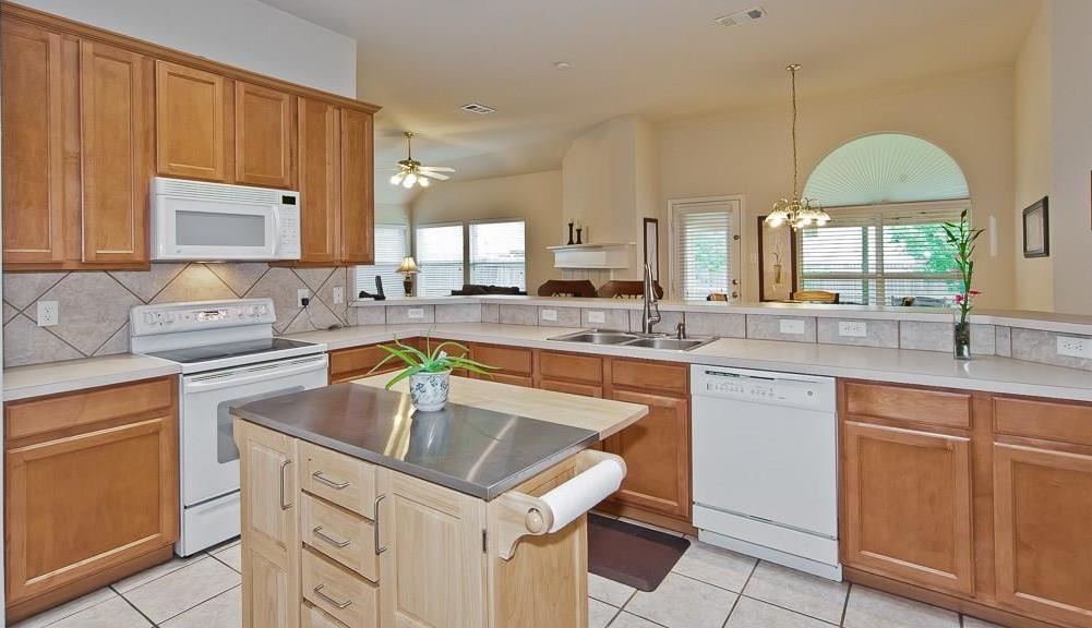 Sold Property | 4709 Pine Ridge Lane Fort Worth, Texas 76123 7