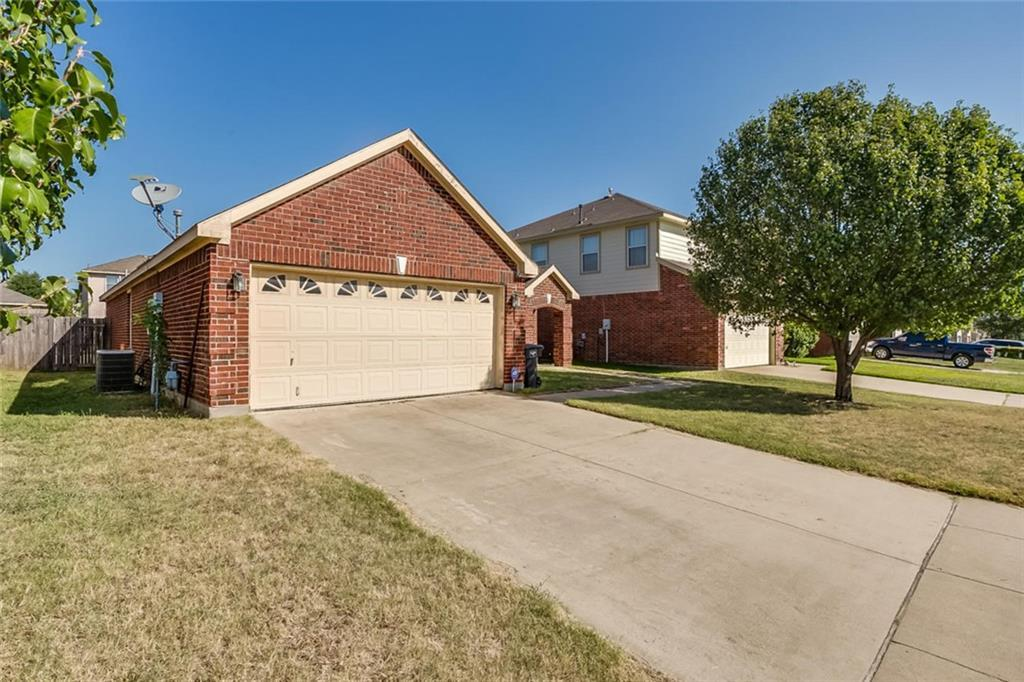 Sold Property | 4908 Palm Ridge Drive Fort Worth, Texas 76133 1