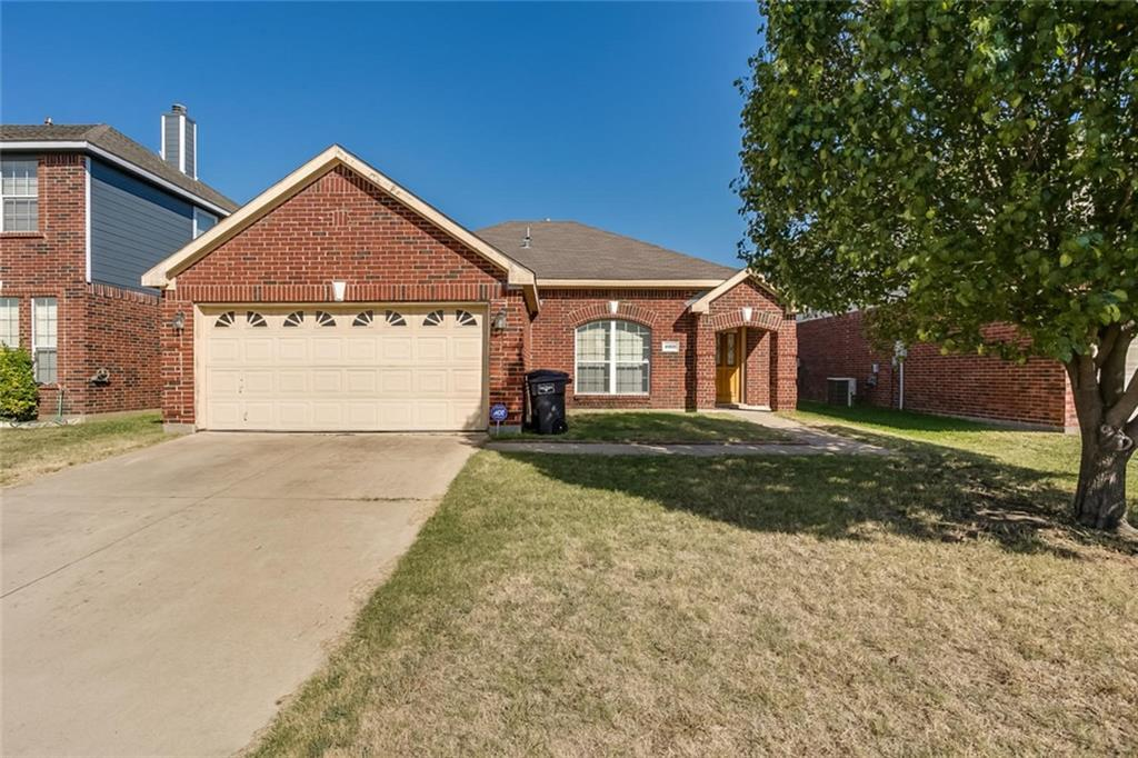 Sold Property | 4908 Palm Ridge Drive Fort Worth, Texas 76133 3