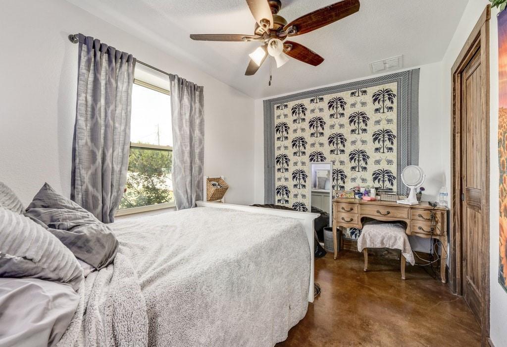 Active | 250 Quarterhorse  Drive Liberty Hill, TX 78642 33