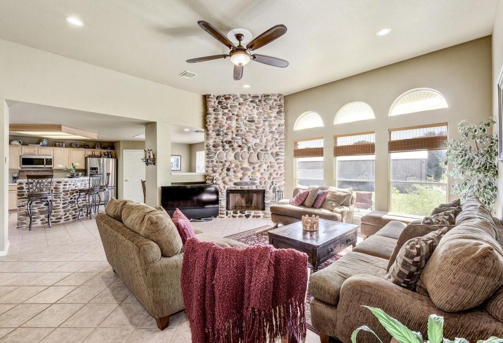 Active | 250 Quarterhorse  Drive Liberty Hill, TX 78642 6