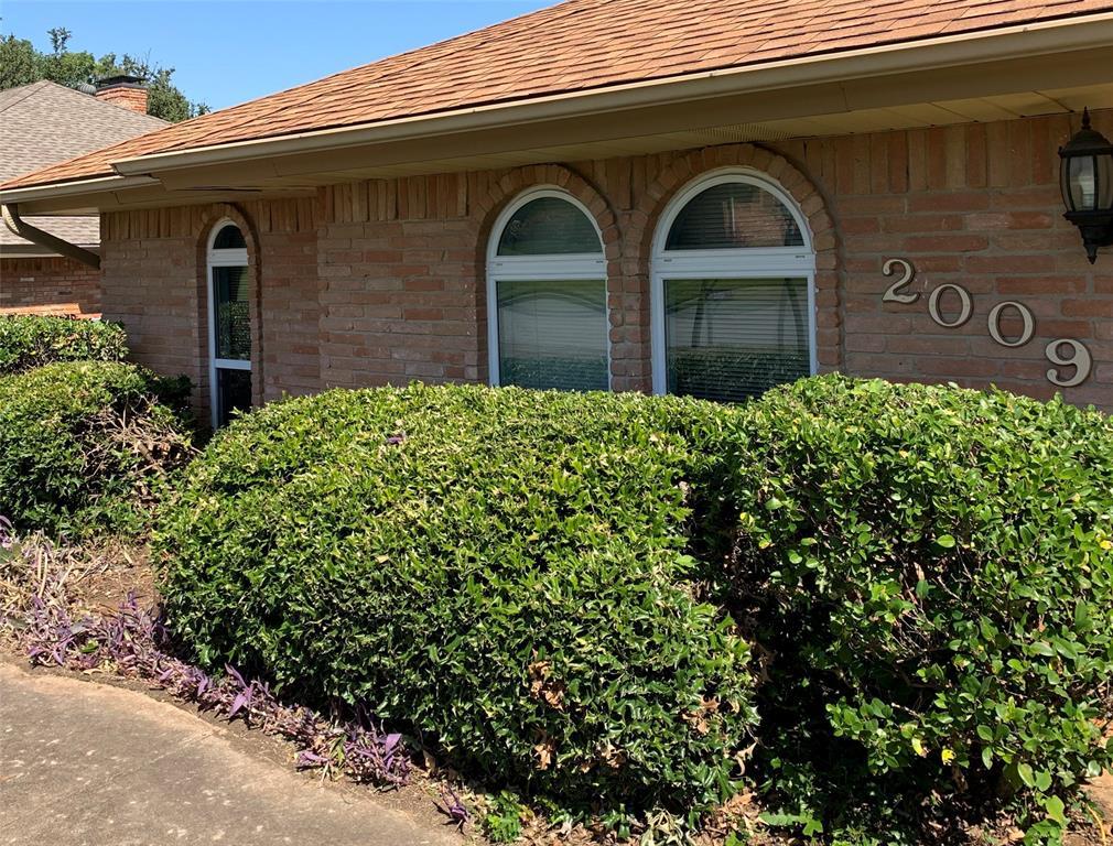 Active   2009 Laughlin  Court Arlington, TX 76012 2