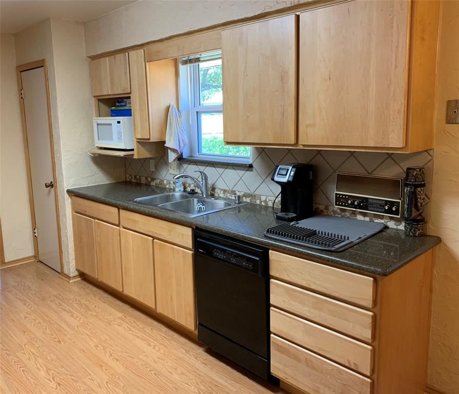 Sold Property | 2009 Laughlin  Court Arlington, TX 76012 7