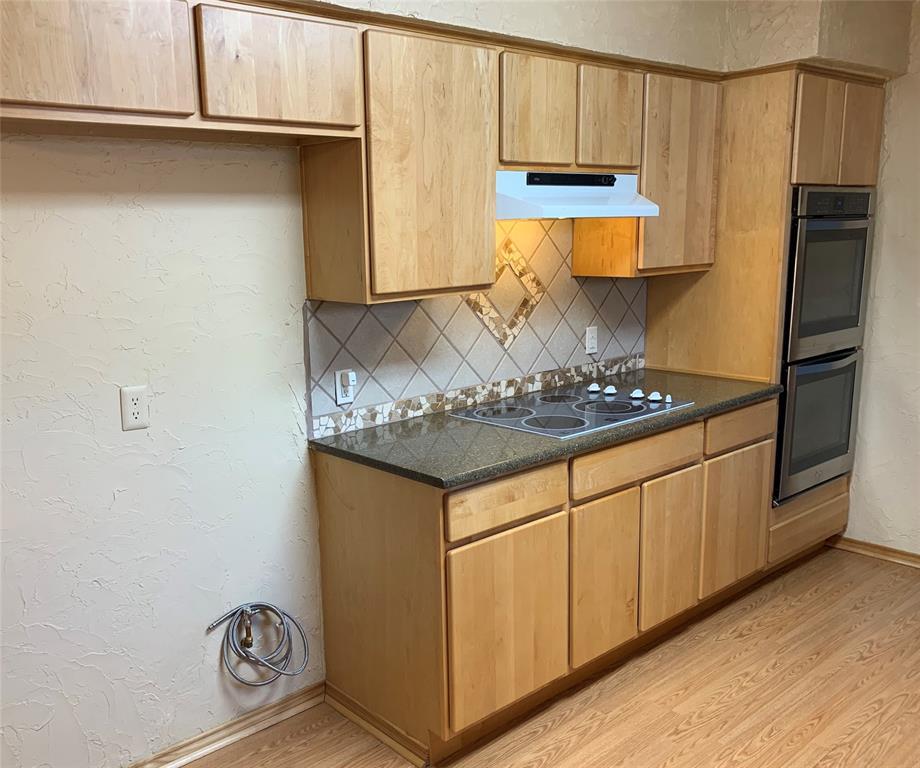 Sold Property | 2009 Laughlin  Court Arlington, TX 76012 8