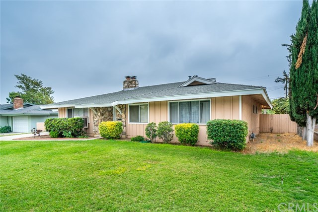 Closed | 329 E Home  Street Rialto, CA 92376 2