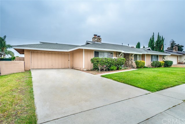 Closed | 329 E Home  Street Rialto, CA 92376 3