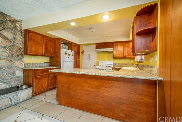 Closed | 329 E Home  Street Rialto, CA 92376 12