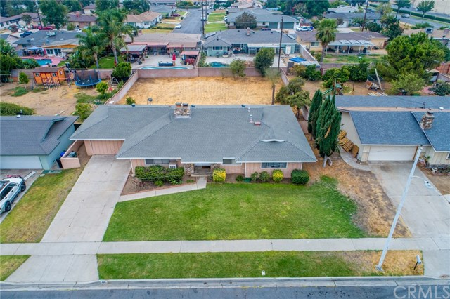 Closed | 329 E Home  Street Rialto, CA 92376 34