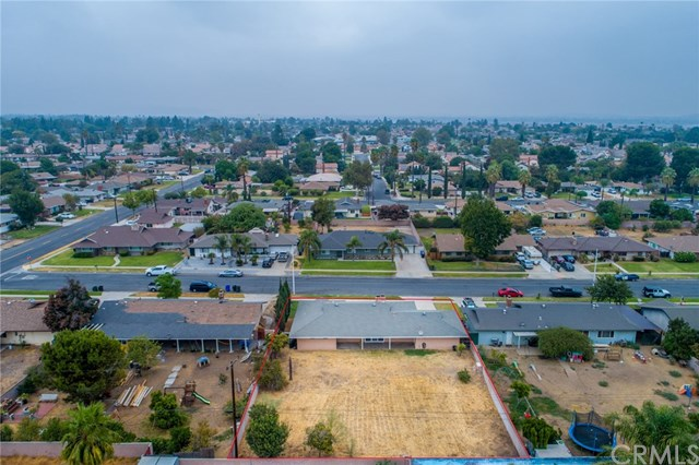 Closed | 329 E Home  Street Rialto, CA 92376 36