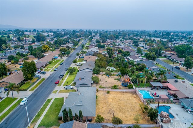 Closed | 329 E Home  Street Rialto, CA 92376 37