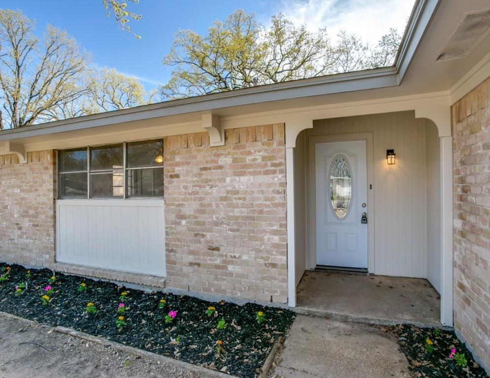 Sold Property | 7520 Gayglen Drive Dallas, Texas 75217 2