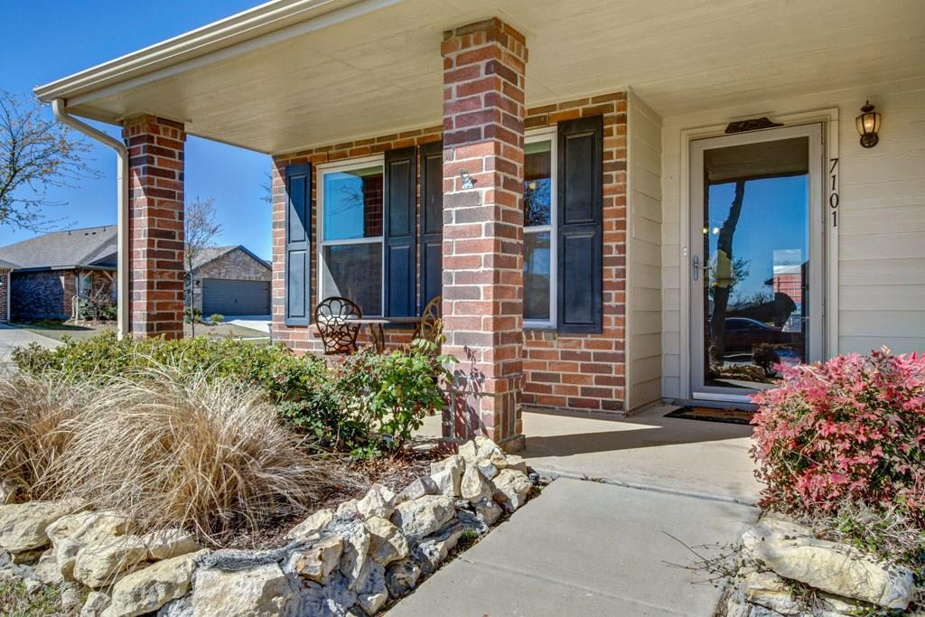 Sold Property | 7101 Little Mohican Drive Fort Worth, Texas 76179 2