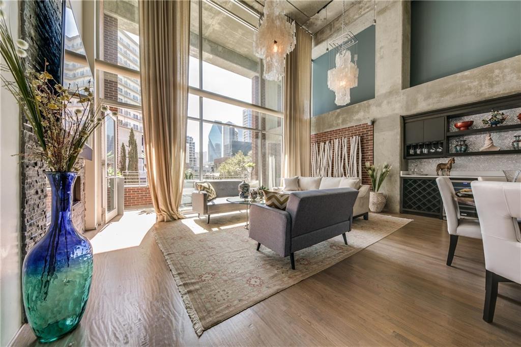 Sold Property   2011 Cedar Springs Road #104 Dallas, Texas 75201 2