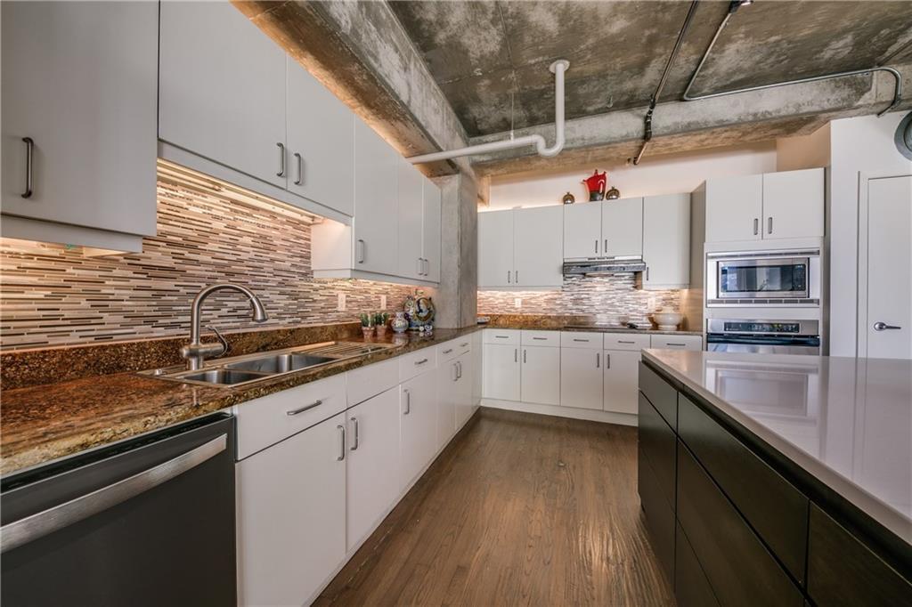 Sold Property   2011 Cedar Springs Road #104 Dallas, Texas 75201 8