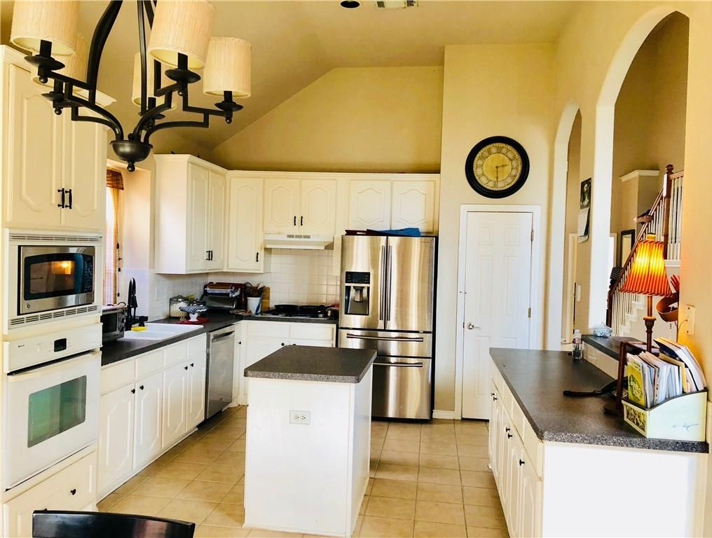 Sold Property | 5325 Rolling Meadows Drive Fort Worth, Texas 76123 2