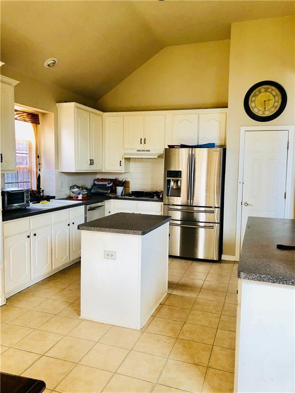 Sold Property | 5325 Rolling Meadows Drive Fort Worth, Texas 76123 3