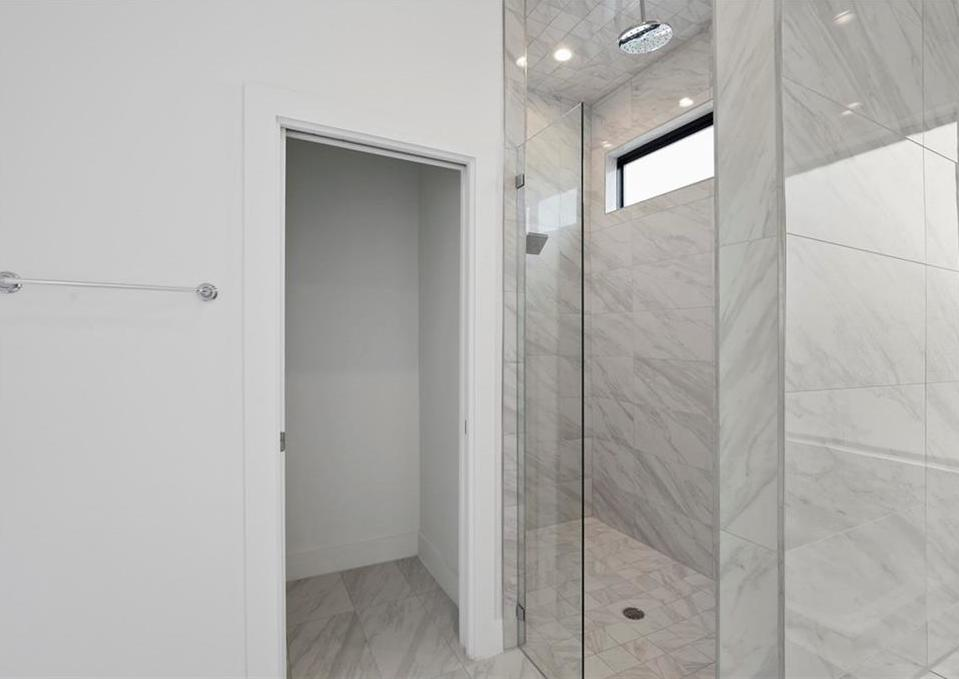 Sold Property | 2307 N Carroll Avenue #1 Dallas, Texas 75204 31
