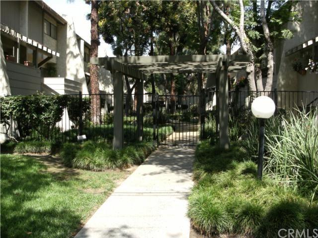Closed | 1127 W Badillo Street #E Covina, CA 91722 5