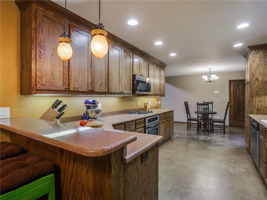 Sold Property | 8119 Barbaree Boulevard Dallas, Texas 75228 8