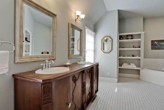Sold Property | 5715 Llano Avenue Dallas, Texas 75206 10