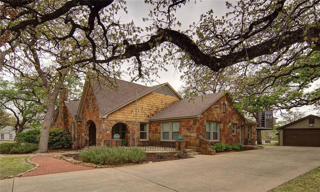 Sold Property | 2201 Daisy Lane Fort Worth, Texas 76111 3