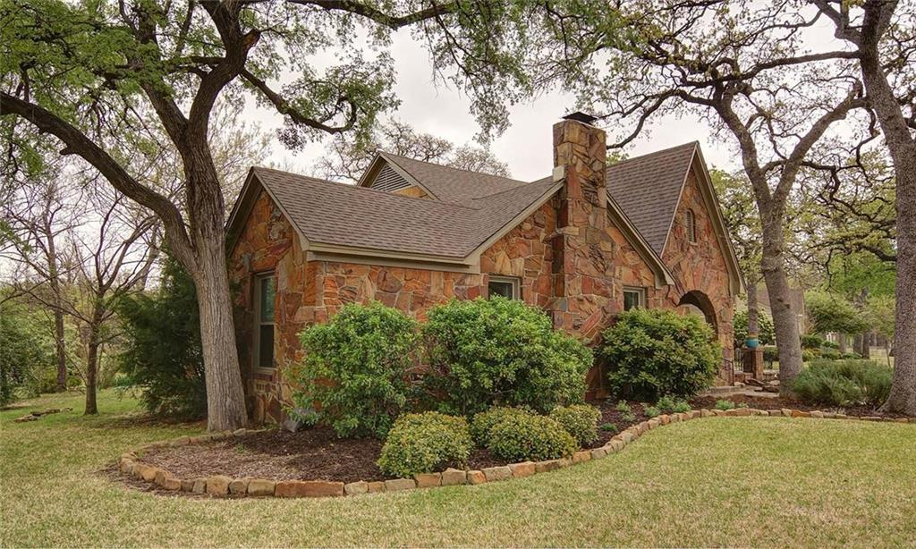 Sold Property | 2201 Daisy Lane Fort Worth, Texas 76111 4