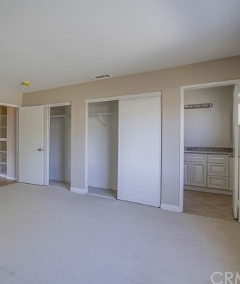 Closed | 13612 Infiniti Lane Fontana, CA 92335 24