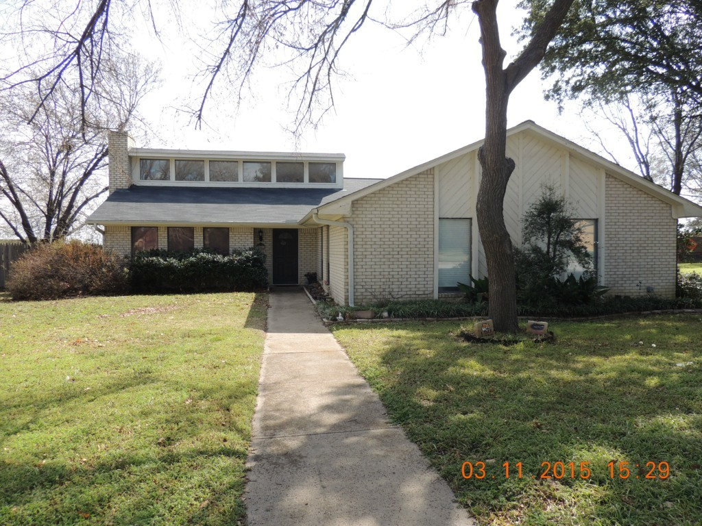 Sold Property | 9901 Farmington Drive Benbrook, Texas 76126 1